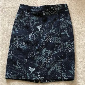 Ann Taylor Navy floral pencil skirt 4 petite